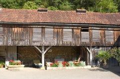 圣徒Amand齿鹑老村庄  库存图片