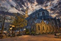 圣徒Bavo教会在哈莱姆市中心 库存照片