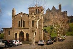 圣徒Gimer计数的教会和城堡 卡尔卡松 法国 免版税库存图片