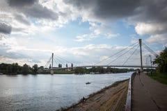 圣徒Irinej桥梁多数Svetog corring萨瓦河的Irineja在斯雷姆斯卡米特罗维察塞尔维亚 库存照片