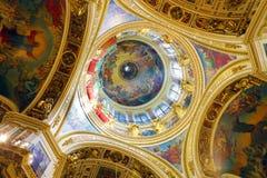 圣徒Isaac的大教堂在圣彼德堡,俄国 免版税库存照片