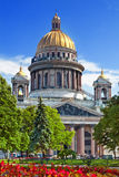 圣徒Isaacs大教堂在圣彼德堡 免版税图库摄影
