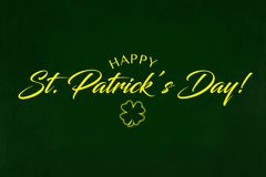 圣徒Partrick ` s在绿色背景的天问候 图库摄影