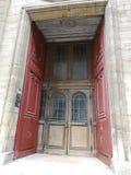 圣徒Sulpice教会门,巴黎,法国 免版税库存照片
