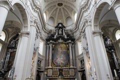 圣徒Walburga教会,布鲁日,贝尔吉克内部, 库存图片