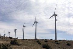 圣戈尔戈尼奥, California/USA-03/21/2016风车,发人的电在南加州 库存照片