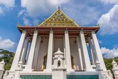 圣所寺庙和蓝天 库存图片