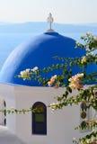 圣托里尼圆顶 免版税库存照片