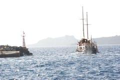 圣托里尼小船 免版税库存照片