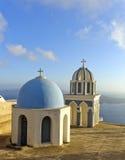 圣托里尼教会屋顶 库存照片