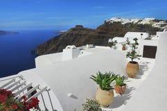 圣托里尼海岛,希腊的美丽如画的看法 免版税图库摄影
