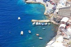 圣托里尼的,希腊美丽的蓝色海 免版税库存图片