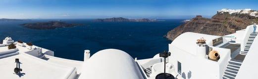 圣托里尼破火山口的全景  免版税图库摄影