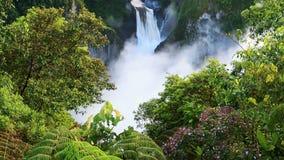 圣拉斐尔秋天,最大的瀑布在厄瓜多尔 影视素材