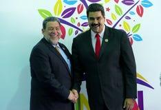 圣文森特和格林纳丁斯总理拉尔夫・冈萨尔维斯招呼委内瑞拉总统尼古拉斯・马杜罗 免版税库存照片
