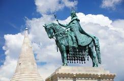 圣斯德望国王` s现代雕塑在布达佩斯 库存照片