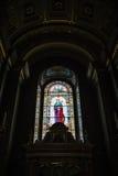 圣斯德望大教堂污迹玻璃窗 免版税库存照片
