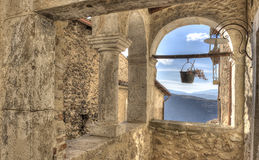 圣斯泰法诺迪塞桑约村庄,阿布鲁佐,拉奎拉 免版税图库摄影