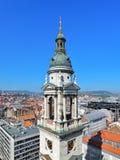 圣斯蒂芬的大教堂布达佩斯,匈牙利钟楼和看法  免版税库存照片