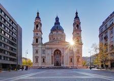 圣斯蒂芬& x27; s大教堂在布达佩斯,匈牙利 库存照片