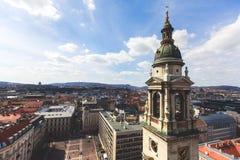 圣斯蒂芬` s大教堂看法,天主教大教堂在布达佩斯,匈牙利,夏天晴天 图库摄影