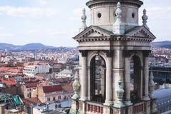 圣斯蒂芬` s大教堂看法,天主教大教堂在布达佩斯,匈牙利,夏天晴天 免版税库存图片