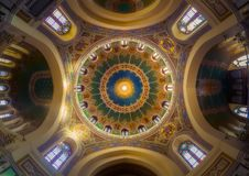 圣曼努埃尔和圣贝尼托马德里教会的圆顶  库存图片