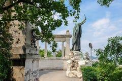圣杰勒德Sagredo雕象在布达佩斯 库存图片