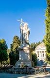 圣母玛丽亚一个大雕象由大理石制成在公墓Staglieno在市热那亚,意大利 图库摄影