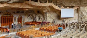 圣母玛丽亚和圣西蒙坦纳大教堂,圣徒Samaan坦纳修道院, Mokattam小山,开罗,埃及 免版税库存图片