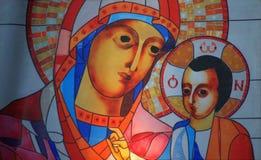 圣母玛丽亚和孩子耶稣 免版税库存图片