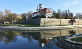 圣母玛丽亚的做法的大教堂在杰尔,匈牙利 免版税库存照片