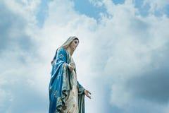 圣母玛丽亚雕象 免版税图库摄影