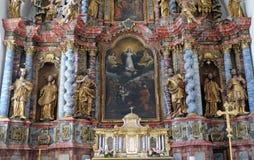 圣母玛丽亚,法坛的做法在假定大教堂里在Varazdin,克罗地亚 免版税库存照片