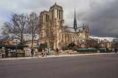 巴黎圣母院在冬天,巴黎,法国 免版税库存图片