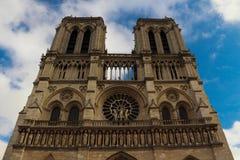 巴黎圣母院在法语巴黎  库存图片