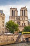 巴黎圣母院大教堂在巴黎,法国 免版税库存照片