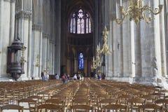 巴黎圣母院的内部 库存照片