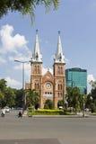 巴黎圣母院, Nha Tho Duc Ba,在1883年修造在胡志明市,越南 免版税库存照片