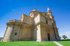 圣比亚焦教会的玛丹娜在蒙特普齐亚诺 免版税库存图片