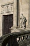圣法兰西斯, Igreja S教会的雕象  弗朗西斯科,在波尔图,葡萄牙 免版税库存照片