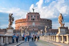 圣洁天使Castel Sant `安吉洛和圣天使桥梁Ponte Sant `安吉洛,罗马,意大利的城堡 库存图片