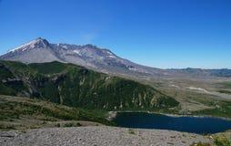 圣海伦山火山和Spirit湖在爆发以后的35年 免版税图库摄影
