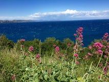 从圣特罗佩的海视图 免版税库存图片