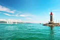 圣特罗佩美好的地中海风景灯塔 地中海横向 法国rivierera 免版税库存图片