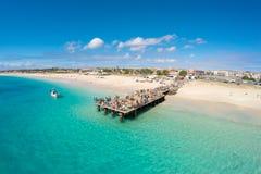 圣玛丽亚海滩鸟瞰图在婆罗双树佛得角- Cabo Verde的 库存照片