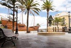 圣玛丽亚船的复制品在圣克鲁斯德拉帕尔马 库存照片