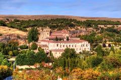 圣玛丽亚del帕拉尔是Hieronymites的女修道院在塞戈维亚外,西班牙墙壁  免版税库存图片