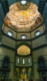 圣玛丽亚del菲奥雷大教堂的内部在佛罗伦萨 免版税库存图片
