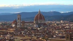 圣玛丽亚del菲奥雷大教堂的圆顶的看法  佛罗伦萨意大利 股票视频